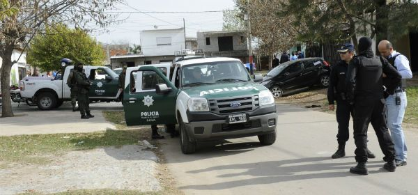El juez juan Carlos Vienna ordenó allanamientos y detenciones a integrantes de la banda Los Monos.