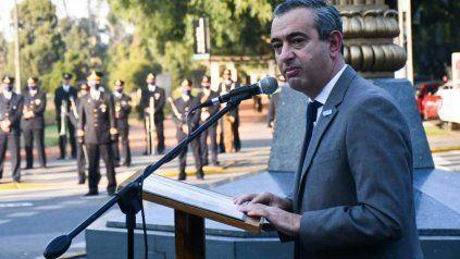 El intendente Pablo Javkin presidió el acto por el Día de la Independencia.