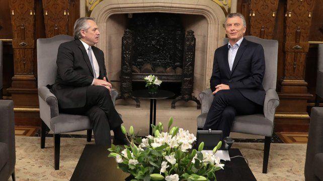 Alberto Fernández le presentó a Macri una lista de colaboradores para la transición