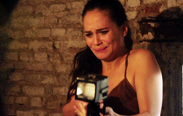 Aterrada. Luz Cipriota interpreta a una periodista que busca una primicia y encuentra algo terrible.