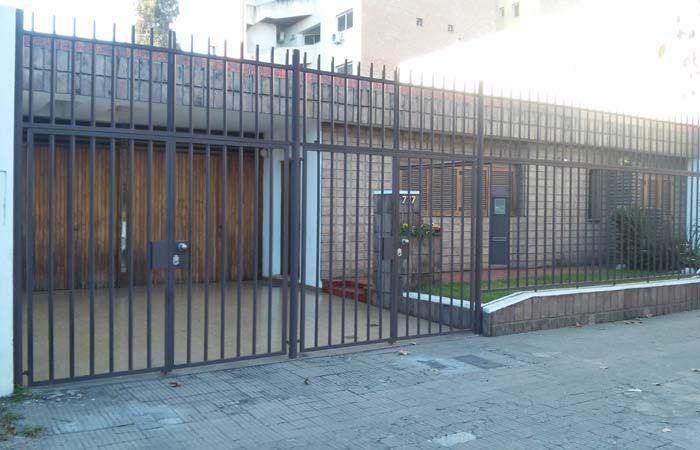 La casa donde se produjo el violento asalto. (Foto: S.Meccia)