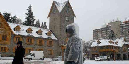 Sin luz y sin clases en Bariloche por fuerte temporal de nieve