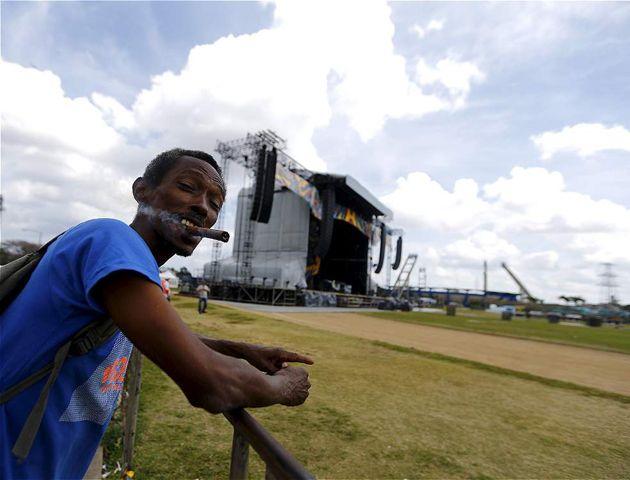 Postales del Viernes Santo en La Habana que se prepara para una noche de rock