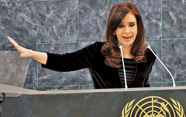 Deuda. Cristina parafraseó a Paul O'Neill: Los millones de argentinos no tienen porqué pagar la fiesta de los buitres.