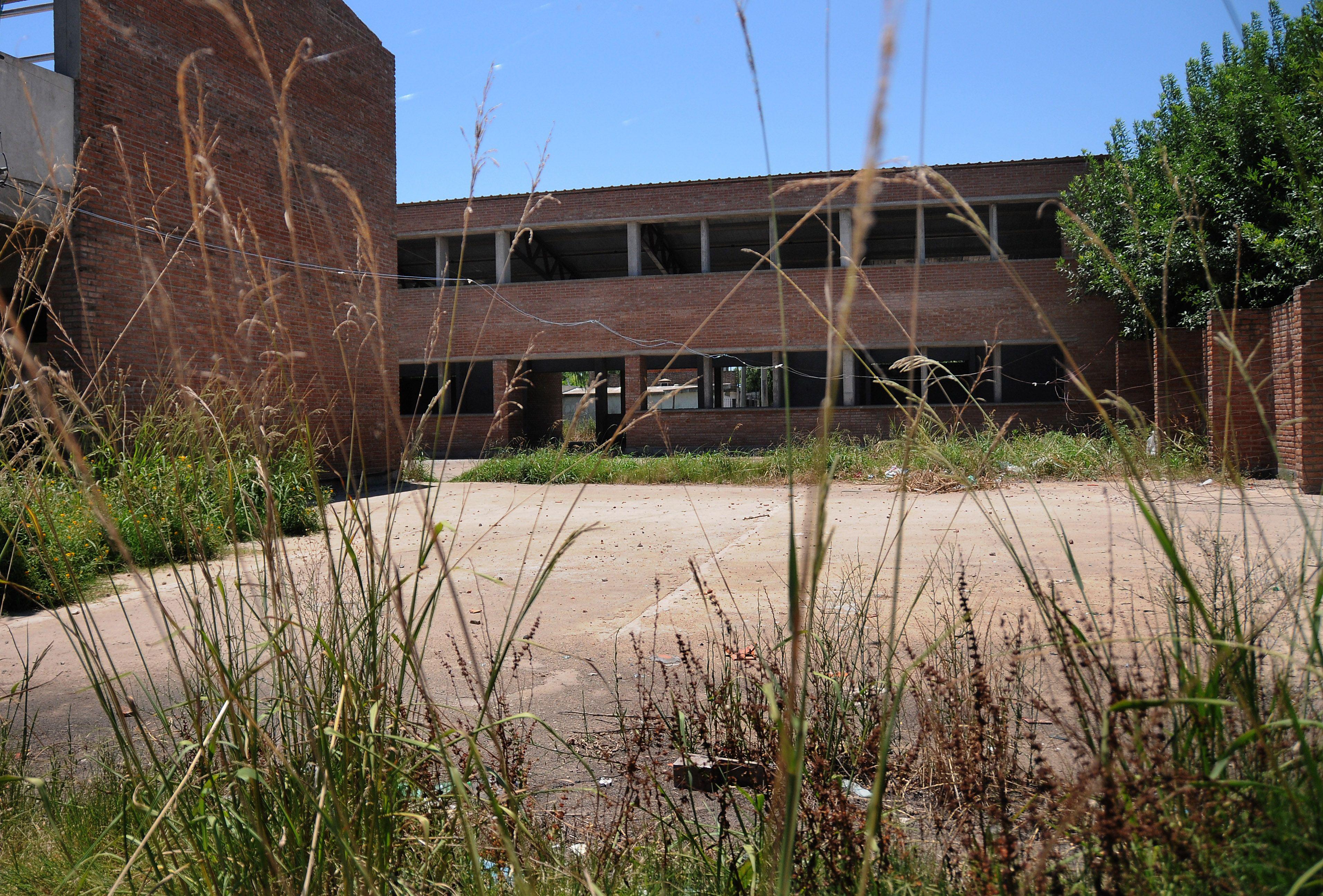 El edificio de la secundaria Nº 574 está en construcción hace 9 años. (Foto: V. Benedetto)