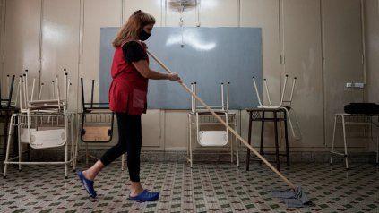En tres departamentos y tres localidades se suspenden las clases presenciales