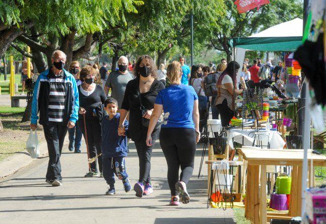 Los parques y las plazas se vieron colmados de público