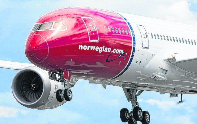 conectividad. La línea aérea noruega es una de las más grandes low cost del mundo. Estiman que en marzo comenzarán a comercializar los vuelos.