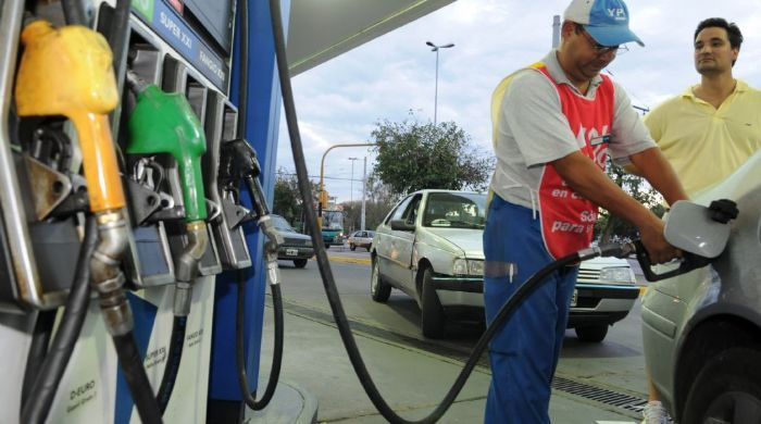 Las naftas subieron hoy y al ministro Aranguren no le tembló el pulso para indicar que pueden volver a subir.