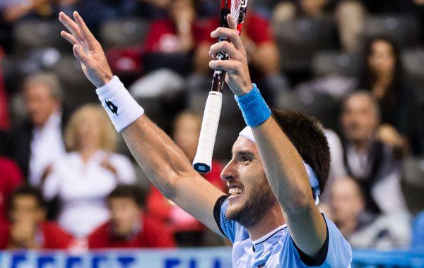 El tenista correntino festeja el buen triunfo ante el belga