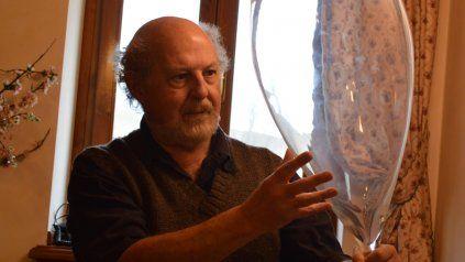 Pidello, un embanderado del juego como productor de sentido en la literatura.