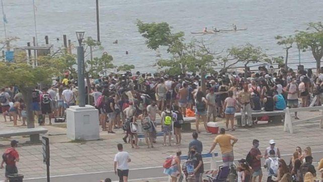 Una de las imágenes del fin de semana en la zona de costa donde hubo una alta concentración de personas.