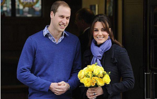 Kate Middleton recibió el alta hospitalaria y continuará su reposo en el Palacio de Kengsinton. (Foto:AP)