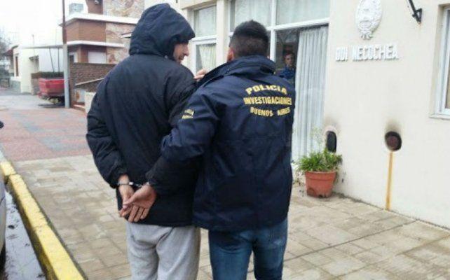 Un hombre fue detenido en Quequén imputado por violar a sus 5 hijas