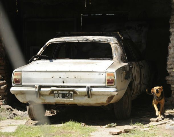 Así quedó. El Taunus modelo 79 sufrió serios daños. (Foto: S. Toriggino)