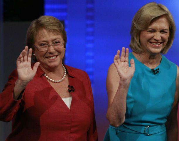 Vidas paralelas. Las candidatas presidenciales participaron de varios debates donde expusieron sus propuestas.