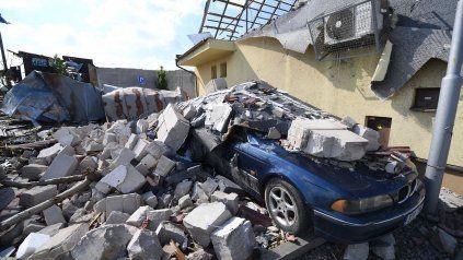 El edificio colapsó este jueves cerca de Miami Beach, en una zona conocida como la pequeña Buenos Aires.