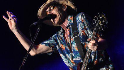 Skay Beilinson, ex guitarrista de los Redonditos de Ricota, publicó un nuevo adelanto de su séptimo álbum solista, En el corazón del laberinto.