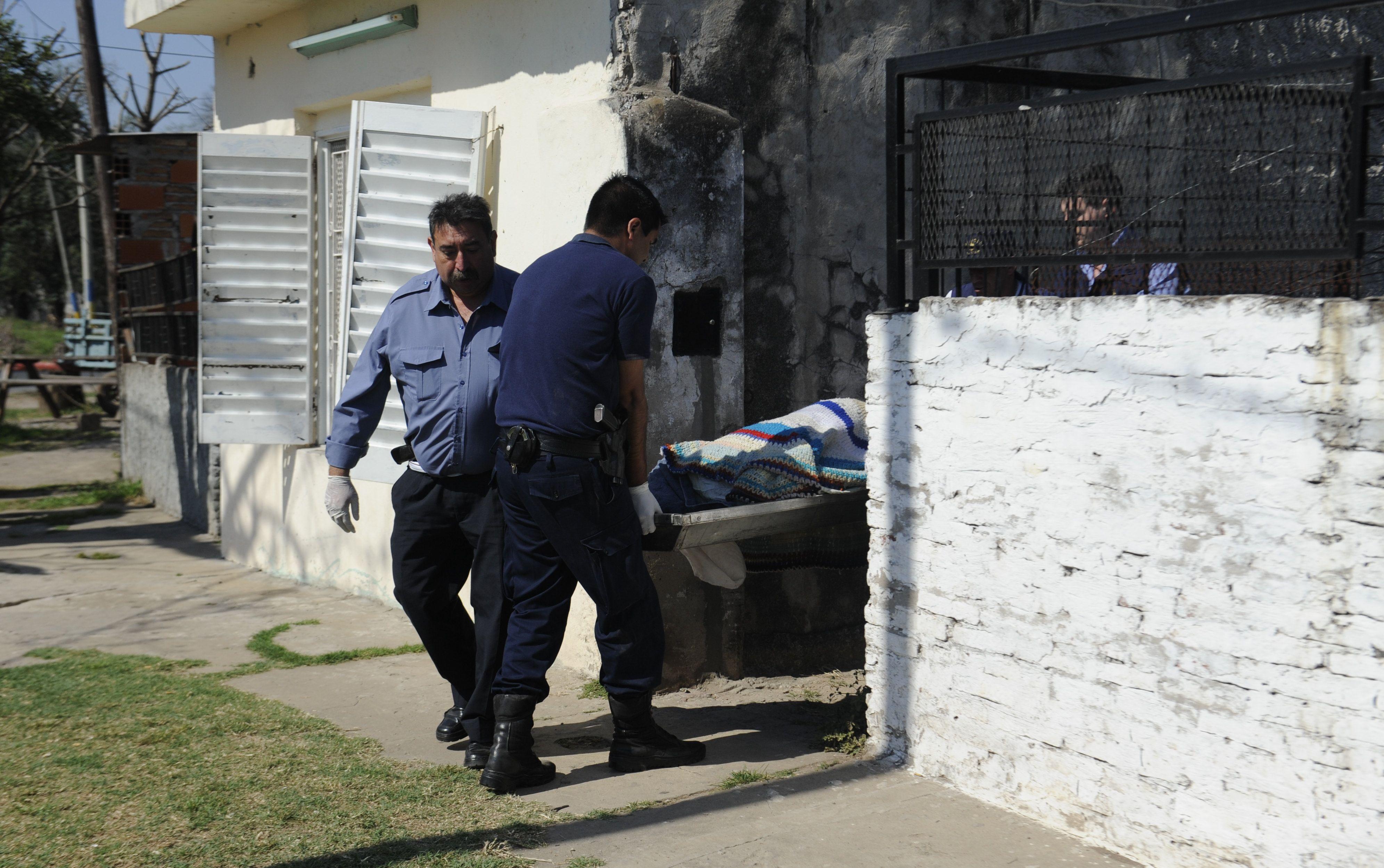 El crimen ocurrió esta mañana en un una vivienda de Bouchard al 3000. (Foto: H. Rio)