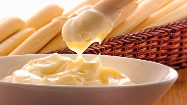 Advierten que un aditivo de los chicles y la mayonesa causaría cáncer colorrectal