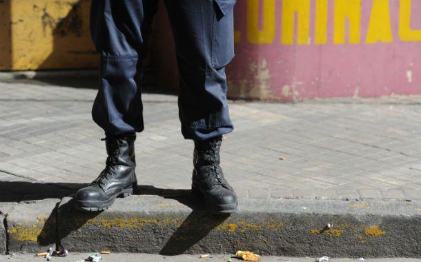 Vigilados. El gobierno provincial convocó a los santafesinos a denunciar de manera anónima a los malos efectivos.