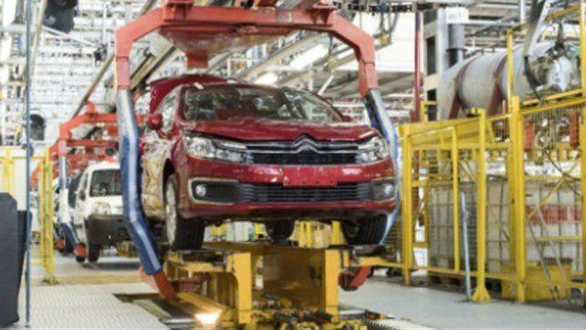 El sector automotriz no encuentra su piso: la producción cayó 20 por ciento