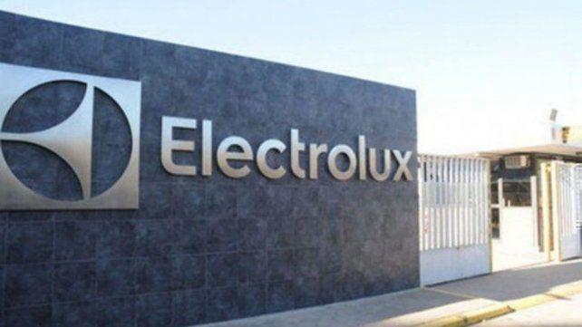 Electrolux despidió a más de 20 obreros