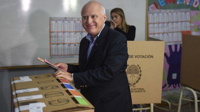 28/04/19 Elecciones provinciales. PASO. El gobernador Miguel Lifschitz votando. Foto: Héctor Rio