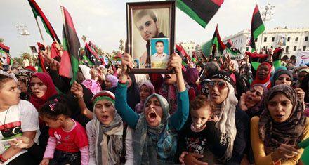 El gobierno interino de Libia decretó oficialmente el fin de la era Kaddafi