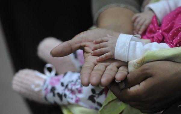 Los mas chiquitos. La supervivencia de los bebés nacidos con menos de un kilo y medio aumenta año tras año. (foto: Silvina Salinas)