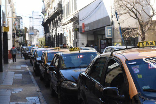 Los viajes en taxi en Rosario se podrán pagar desde el celular