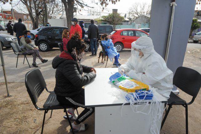 En Rosario los contagios de coronavirus crecieron el doble en una semana y definen estrategias