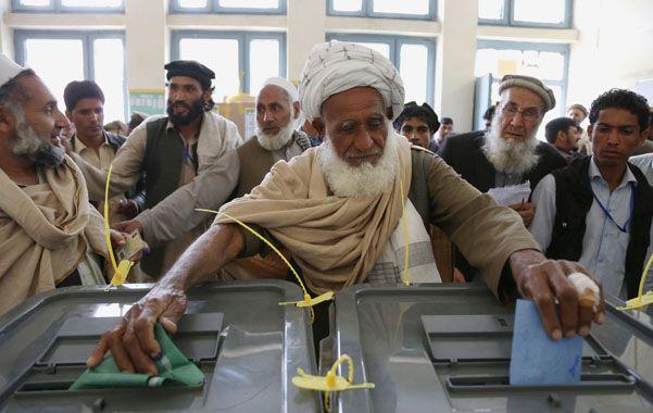 Voto. Los afganos se animaron a concurrir a las mesas electorales para elegir al sucesor del presidente Karzai.