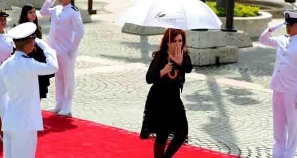 Cristina se retiró de la Cumbre de las Américas antes del cierre oficial