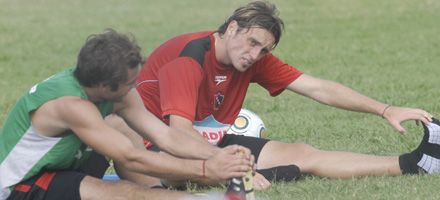 Armani vuelve a ser titular en Newells y jugará junto a Salcedo