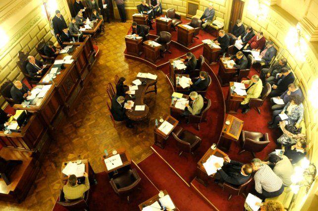 Casi la mitad de los senadores provinciales están dentro del grupo de riesgo