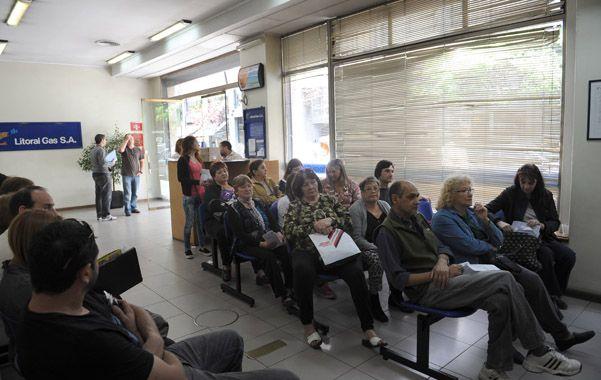 Muchos clientes confluyeron en las últimas horas en las oficinas de la concesionaria del servicio de gas.