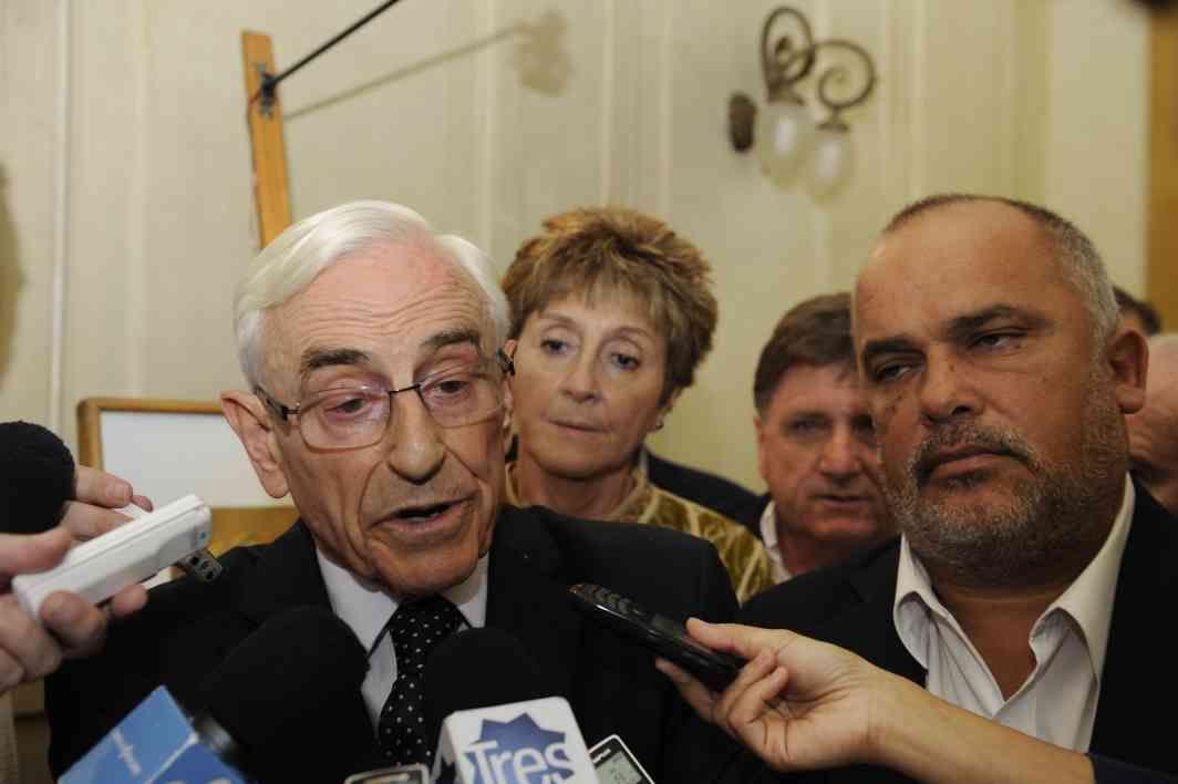 El legislador socialista enfrentó los micrófonos ayer en sede de gobierno y esta mañana en La Tres. (Foto: C.M.Lovera)