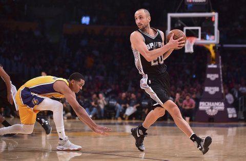 Estampa de crack. Manu Ginóbili quiere continuar en San Antonio Spurs.