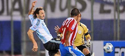 Argentina jugó mal, perdió con Paraguay y quedó en zona de repechaje