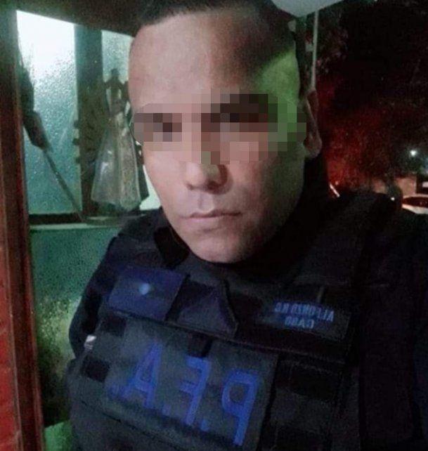 Recién ascendido y con 7 días en Rosario: el perfil del policía que este martes asaltó un minimarket
