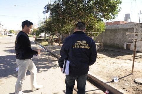 Personal de la Policía Científica peritó hoy el lugar del mortal ataque. (Foto: S.Toriggino)
