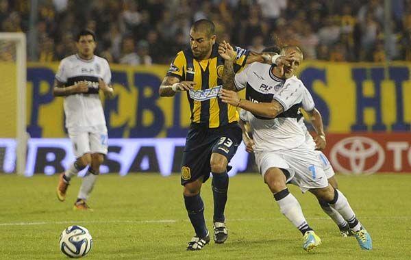 Méndez sufrió un fuerte golpe en la zona intercostal izquierda.