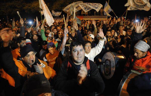 Lucha. Los trabajadores del complejo oleaginoso mantienen una extensa huelga en apoyo a su reclamo salarial.