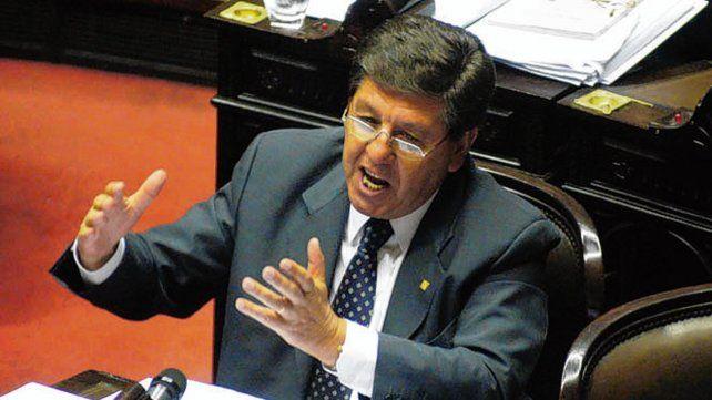 impulsor. El senador Guillermo Snopek (PJ).lanzó el debate.