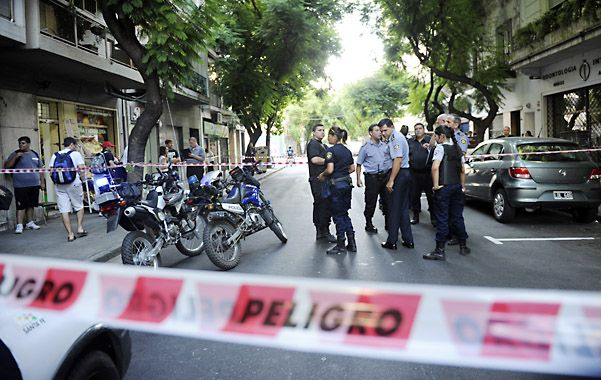 Giro letal. El atentado a una clínica de 3 de Febrero 1045 terminó con el asesinato del policía Carlos Dolce en 2013. (foto: Celina Mutti Lovera)
