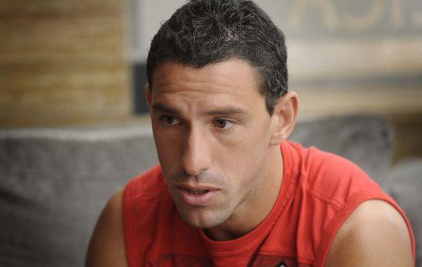 Maxi Rodríguez no jugaría el domingo en Newells y Lunari hará varios cambios