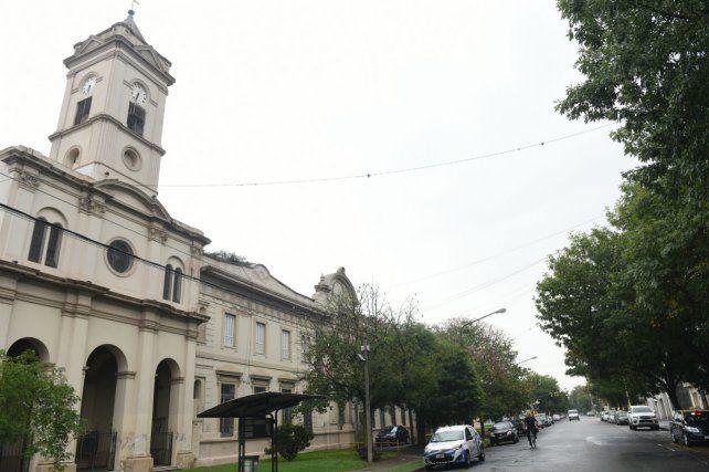 En alerta. Hubo 12 casos sospechosos en el geriátrico provincial.