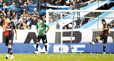 Newells profundizó su crisis futbolística: no reacciona y fue superado por Racing