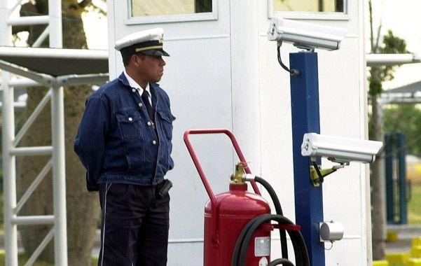 Reguladas. Las agencias de seguridad deberán cumplir varios requisitos.